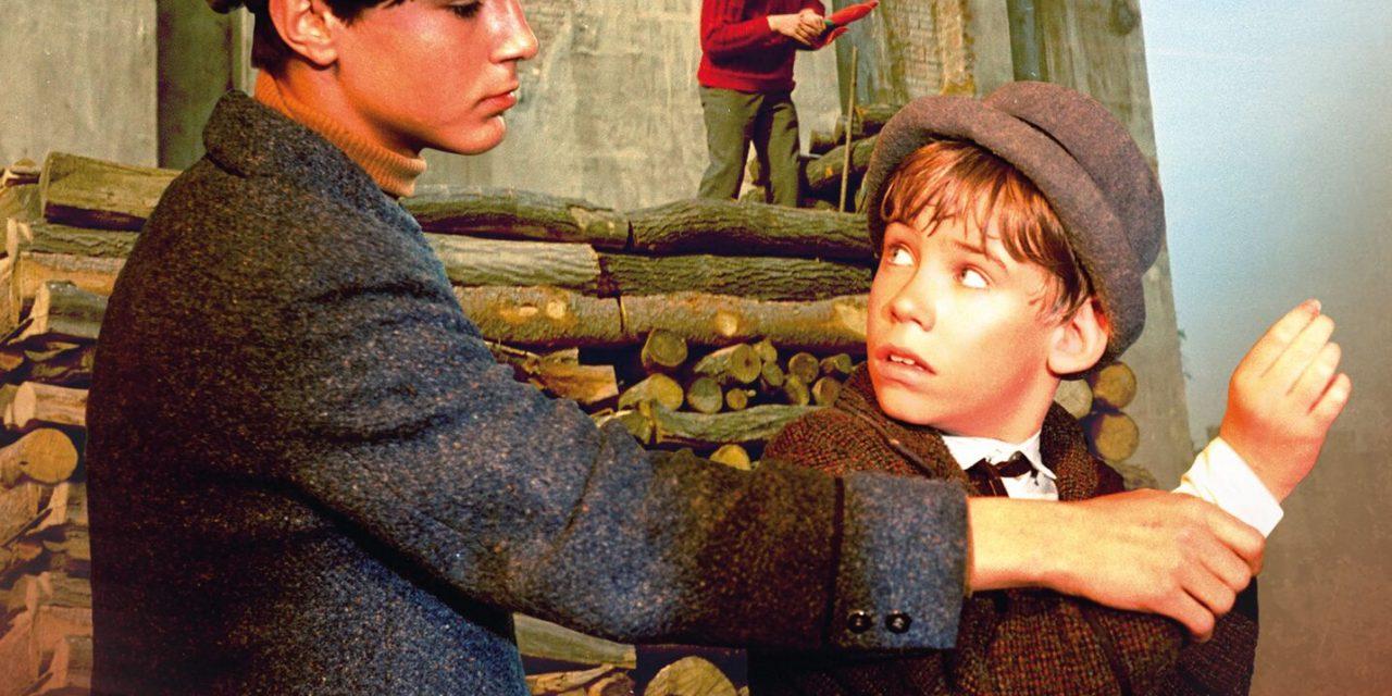 Kadr z filmu - Chłopcy z Placu Broni